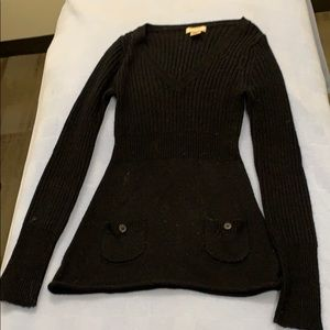 Black Arizona brand sweater with front pockets